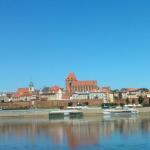 Widok na stary Toruń z drugiego brzegu Wisły